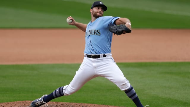 Giants acquire intriguing RHP Delaplane