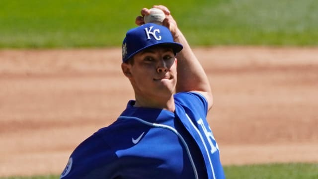 Bubic finishes strong; Royals fall in extras