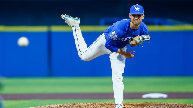 Yankees agree with 4 undrafted college pitchers