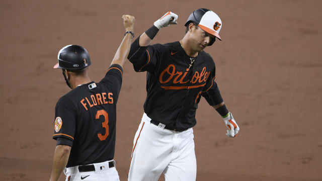 Mountcastle busts out as O's end skid vs. NY