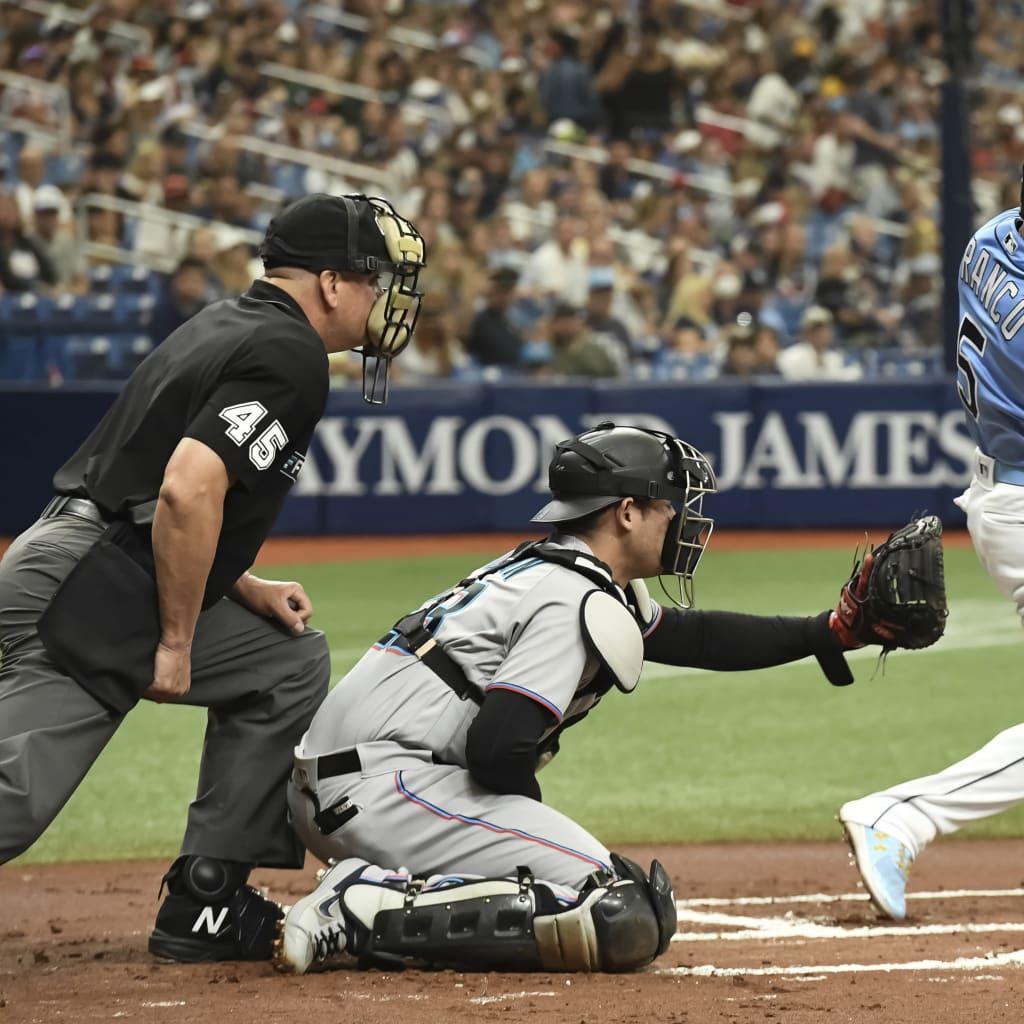 Franco 2 shy of tying record on-base streak