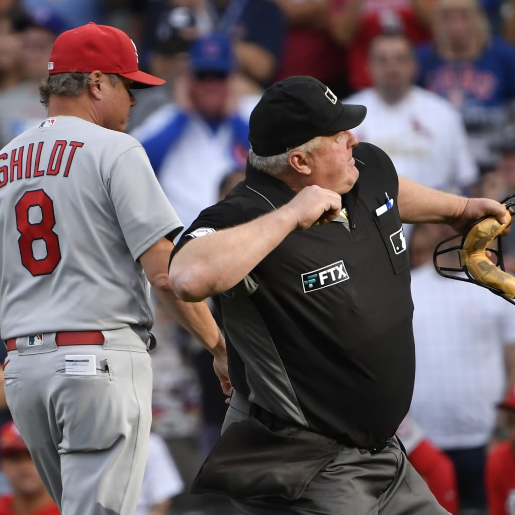 The wacky final outs in Cards' 16th win
