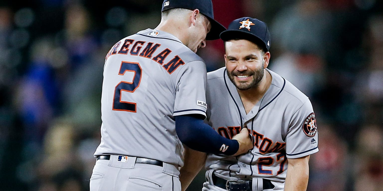 Altuve caps 4-hit night with clutch RBI in 11th