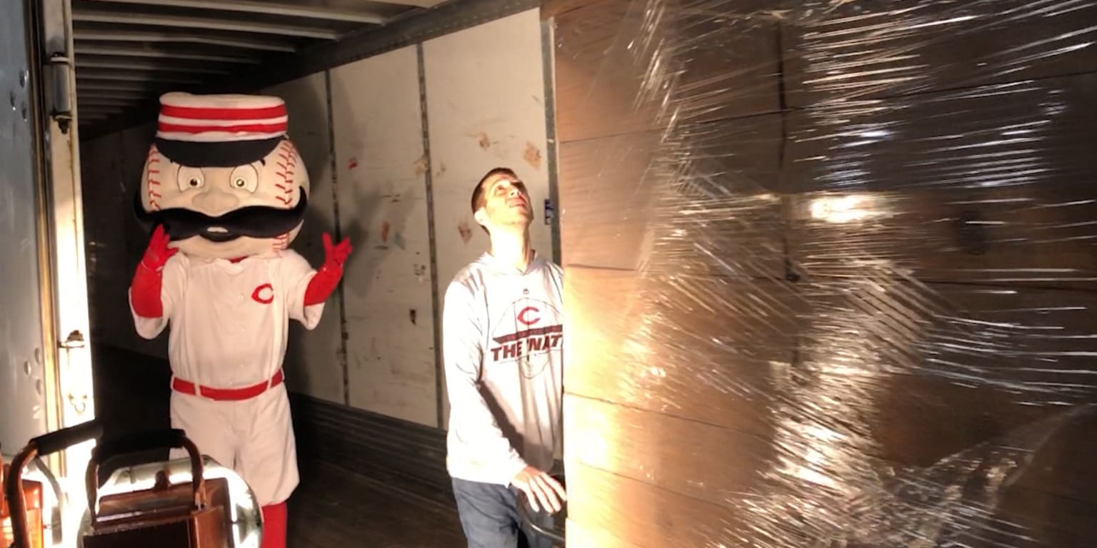 Truck Day marks unofficial start to Reds' spring
