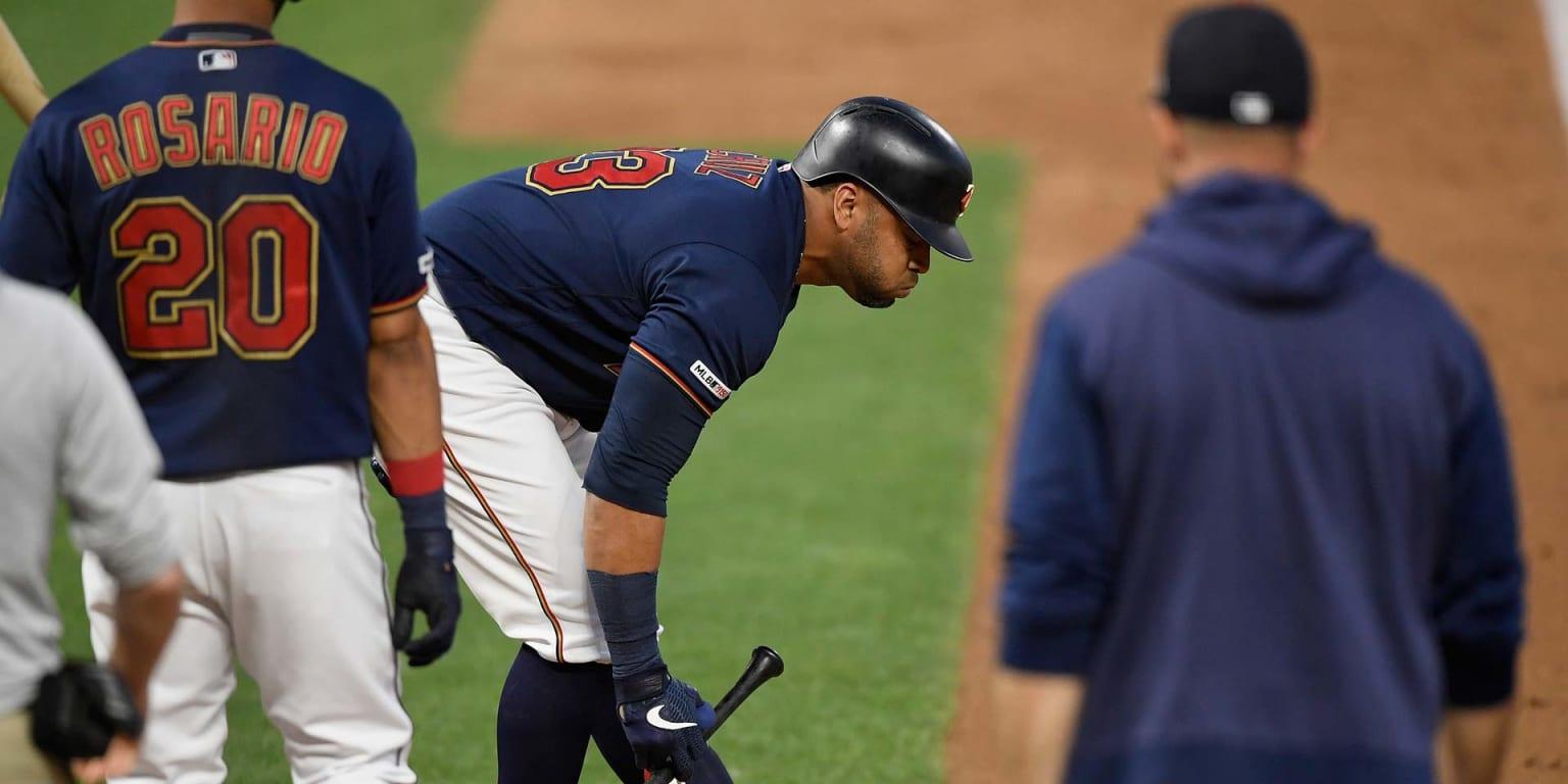 Cruz hits injured list with ruptured wrist tendon