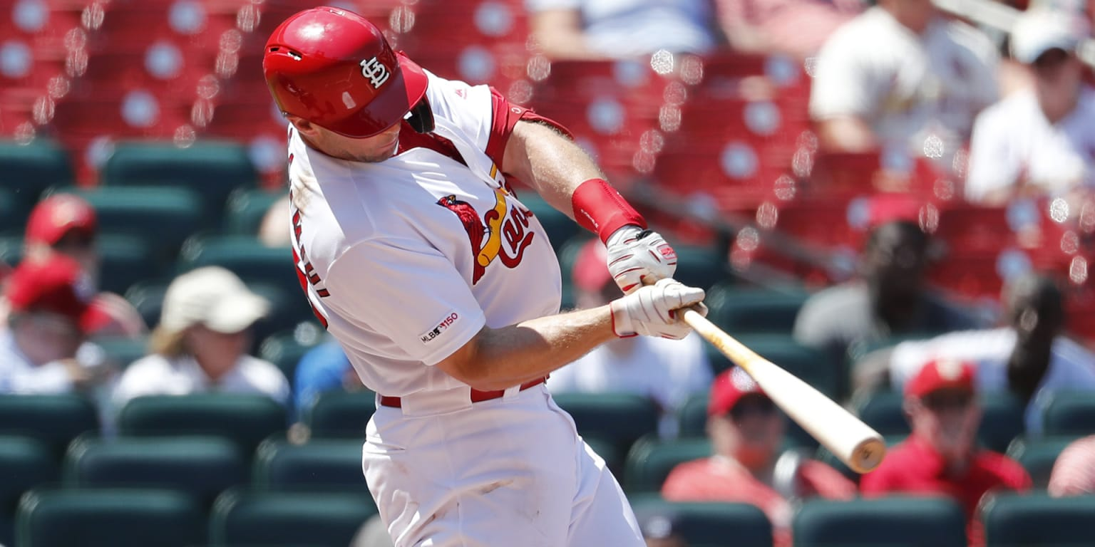 Cards gain momentum after late power surge