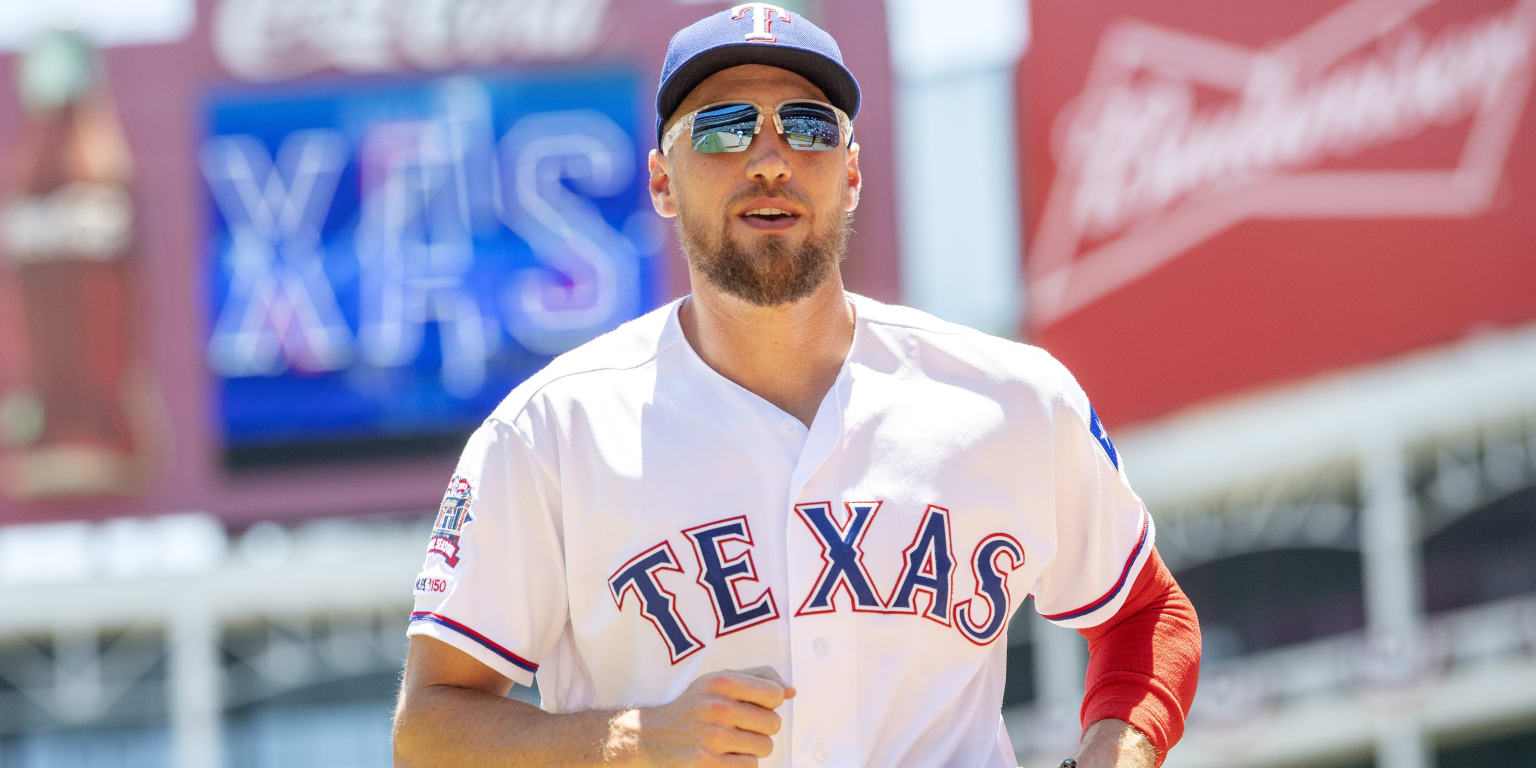 Pence may return by Tuesday for Rangers