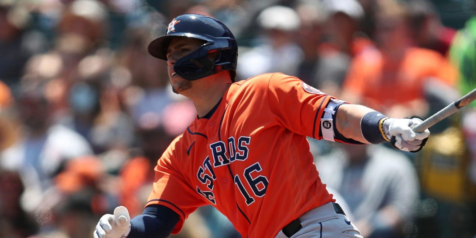 Díaz mashes twice, but Astros drop slugfest