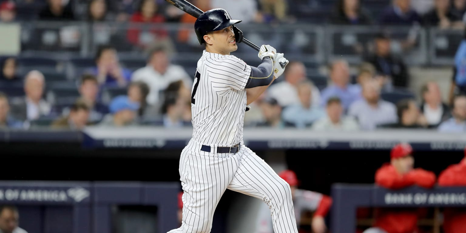 Back in lineup, Stanton laces double in first AB
