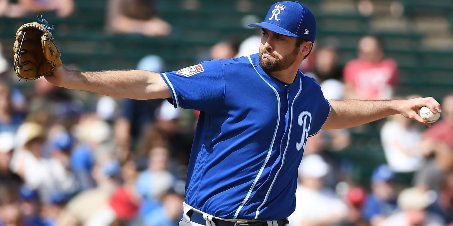Royals activate Flynn, add depth to 'pen