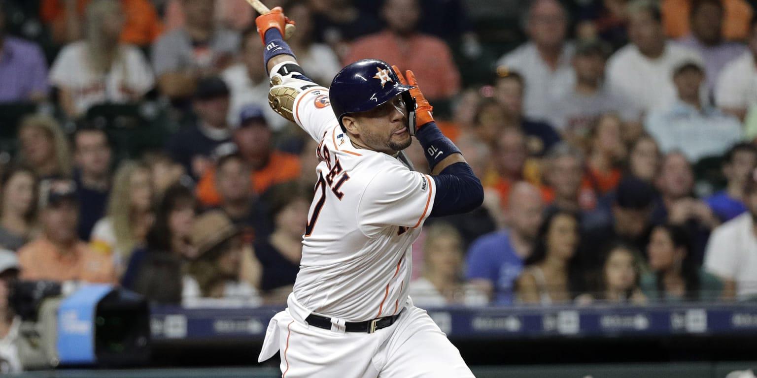 Astros get Yuli back; Correa close