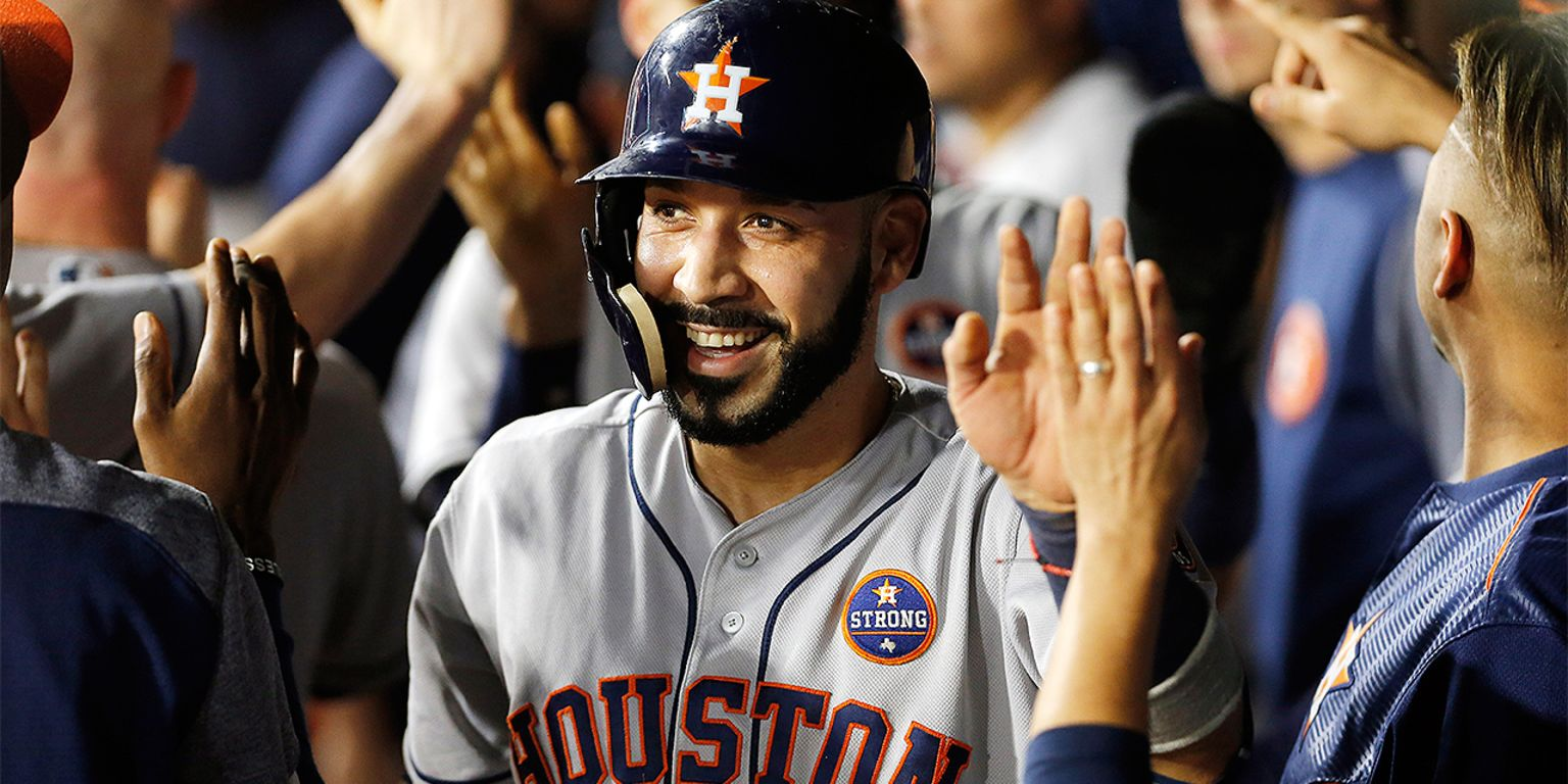 Astros gain in HFA race; Altuve's forearm hurt