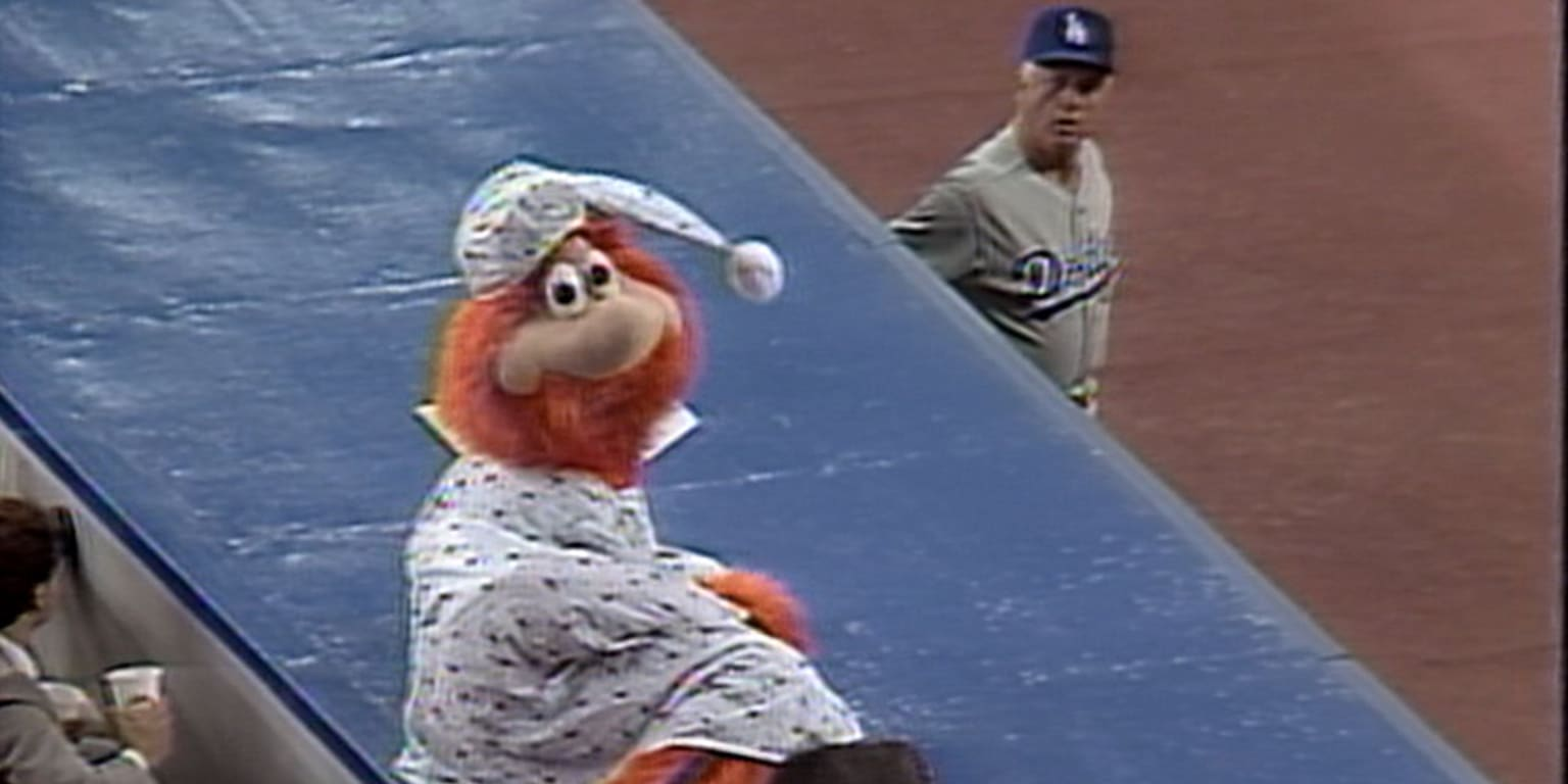Youppi was the first mascot ejected from a baseball game
