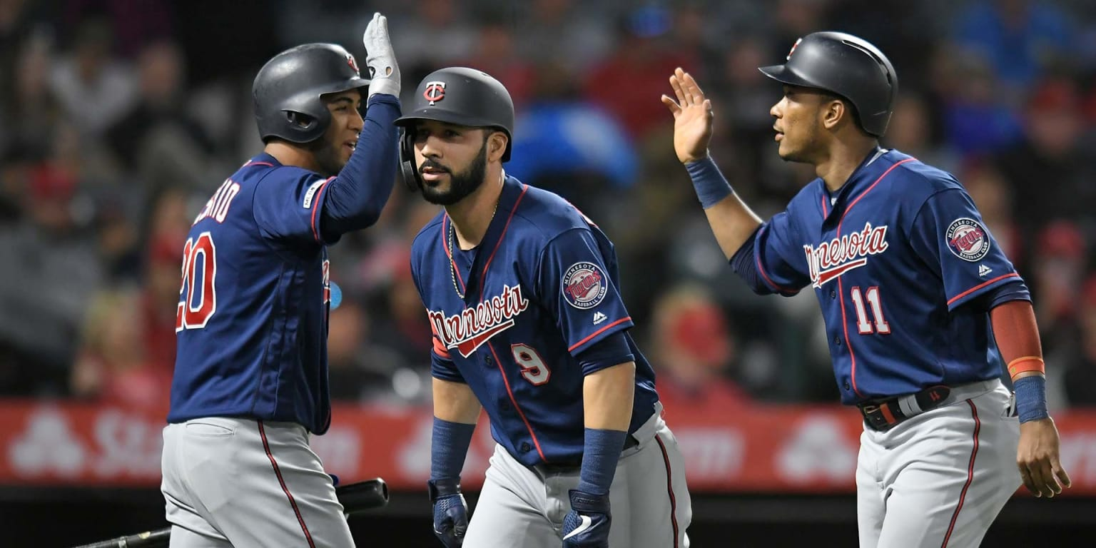 Marwin returns to Twins' lineup with a bang