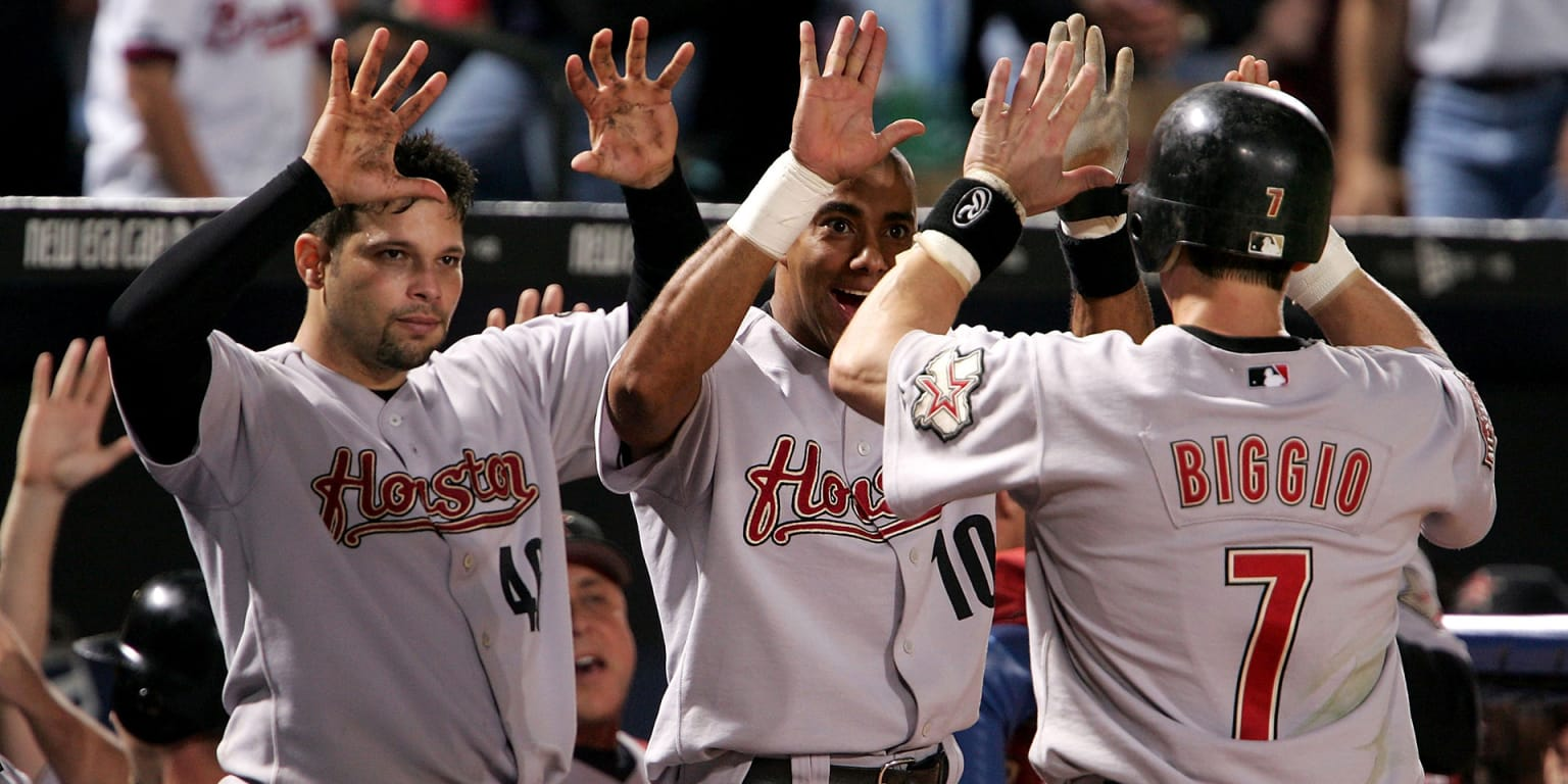 In '04, Astros arrived with NLDS win vs. ATL thumbnail