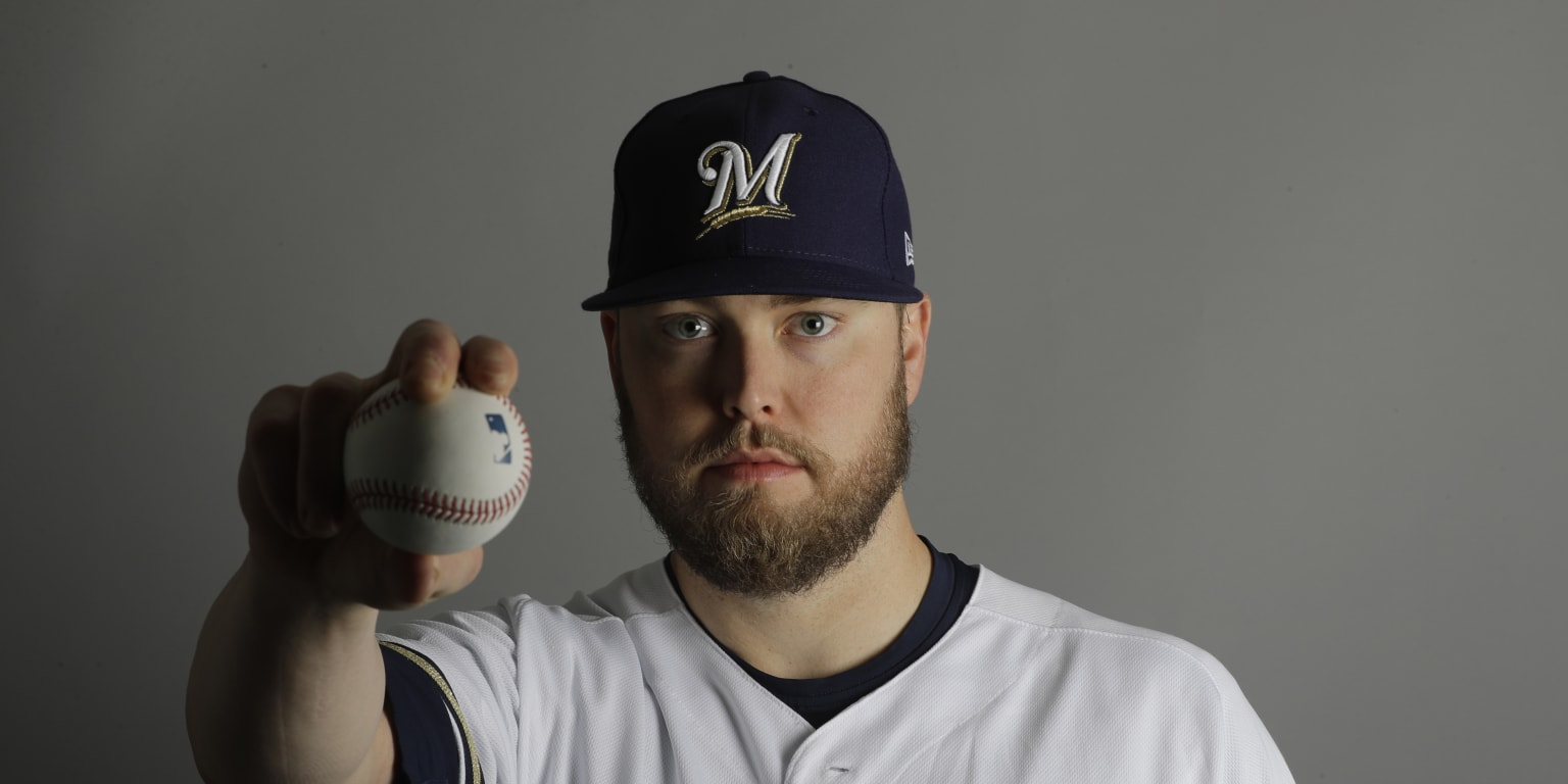 Brewers 'pause' Jimmy Nelson for sore elbow