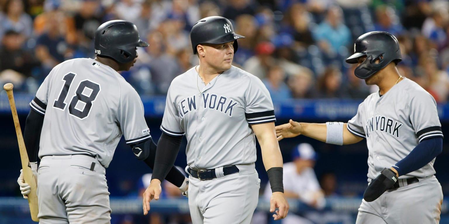 After five-run fifth, Yankees' bats silenced