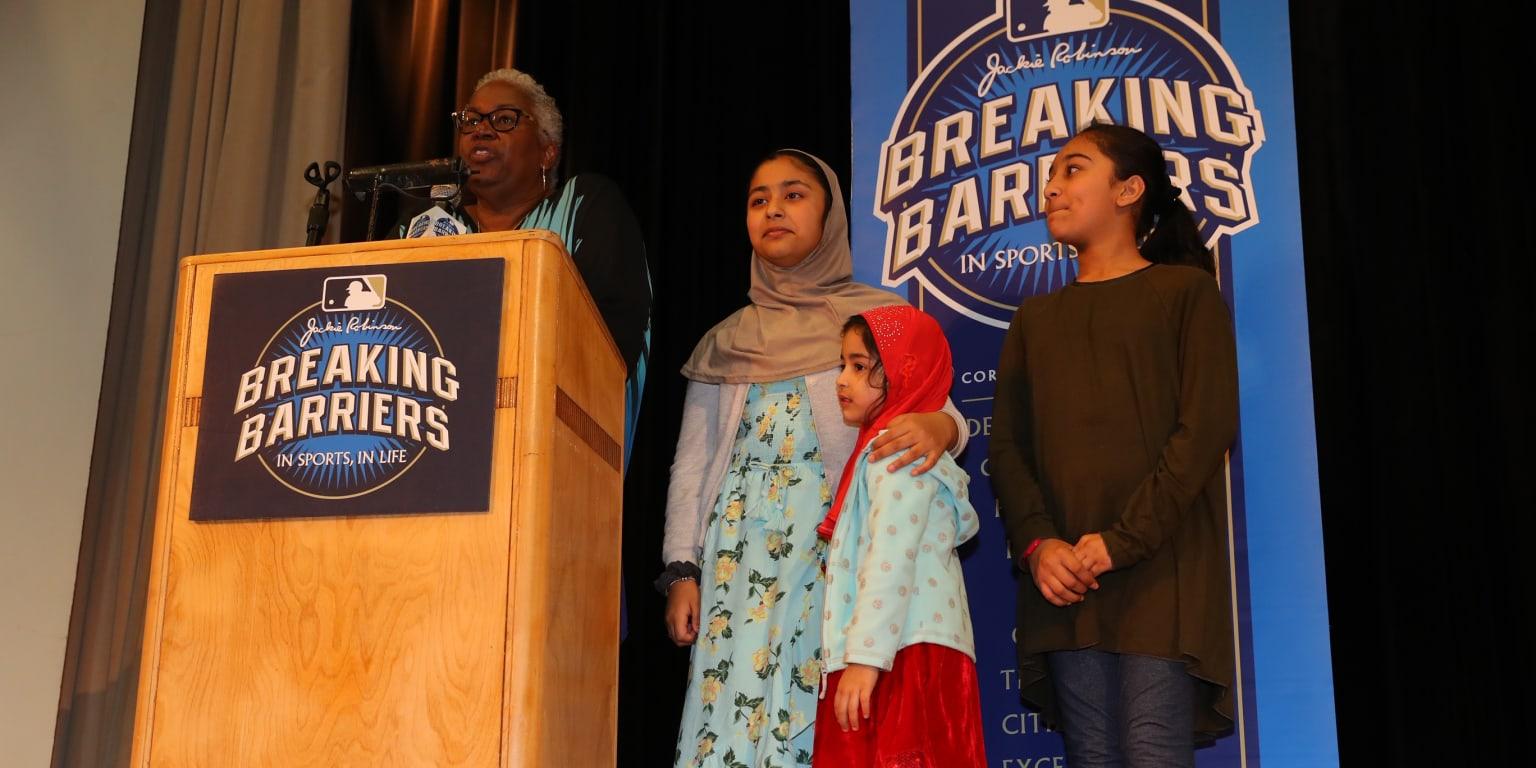 Sharon Robinson meets Breaking Barriers winner