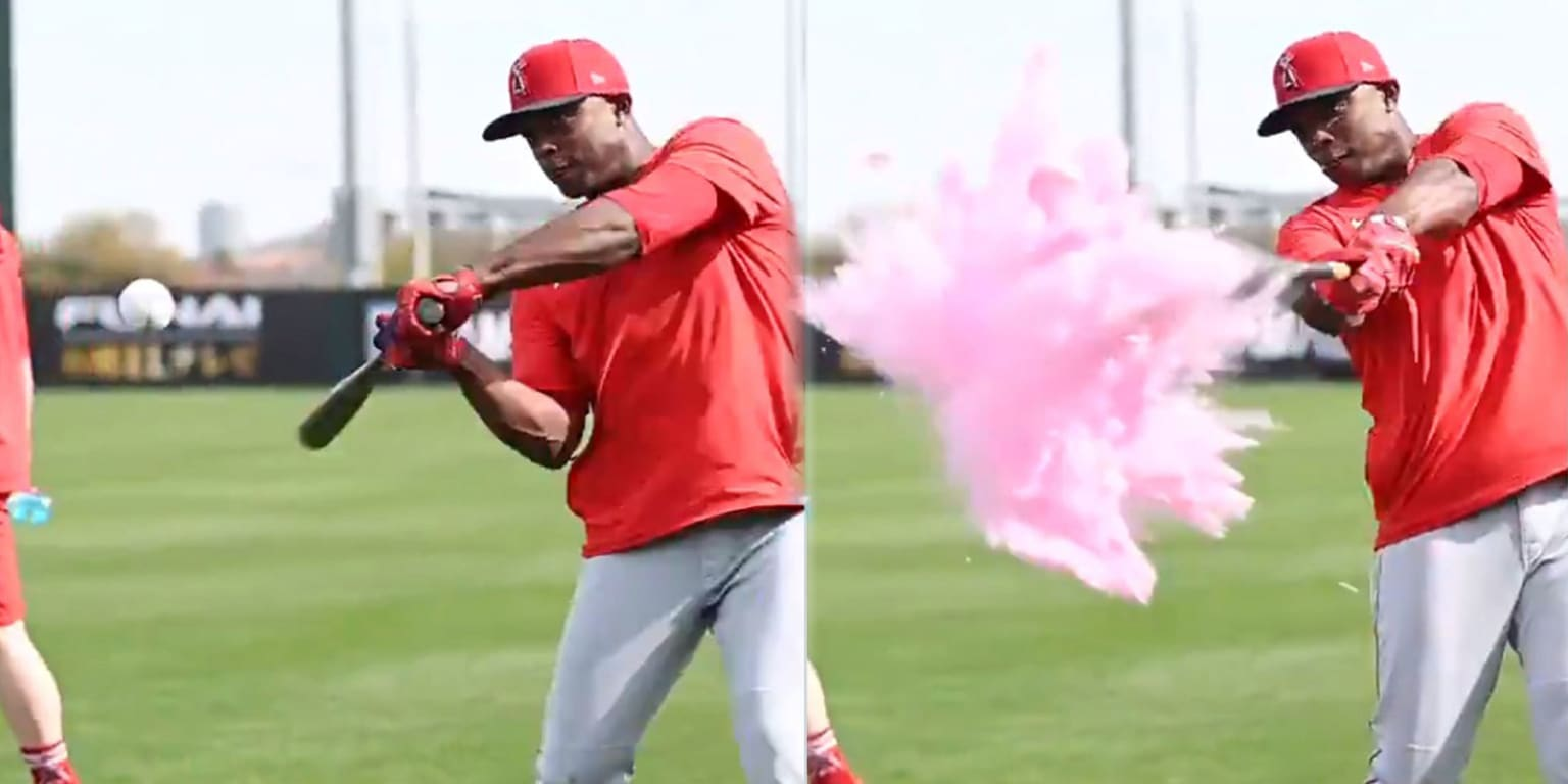 It's a girl! Trout, Upton help happy couple