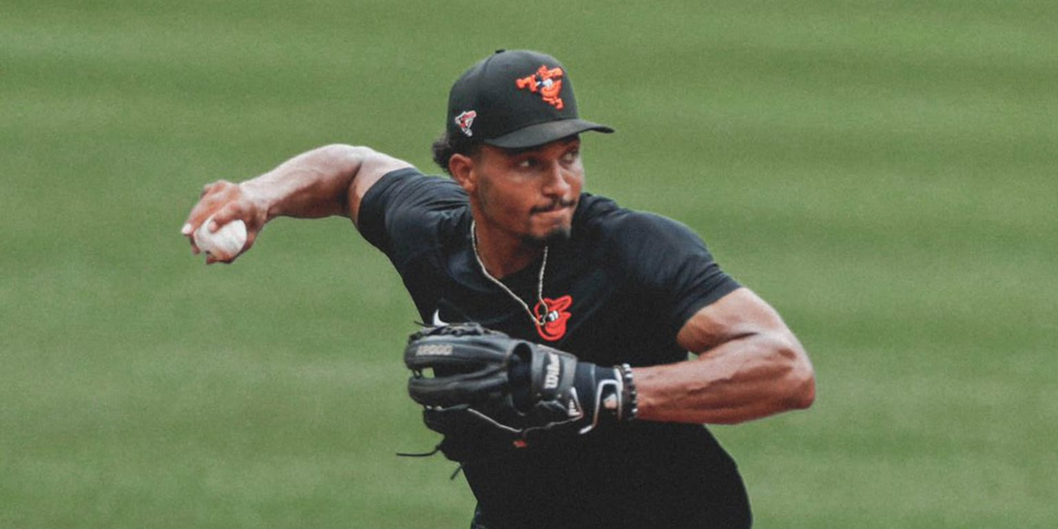 O's Martin out indefinitely with right wrist fracture