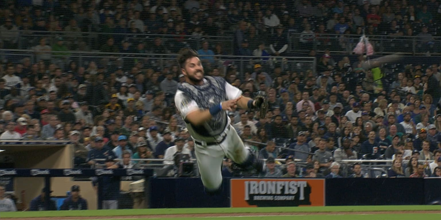 He can fly: Hedges goes airborne for throw