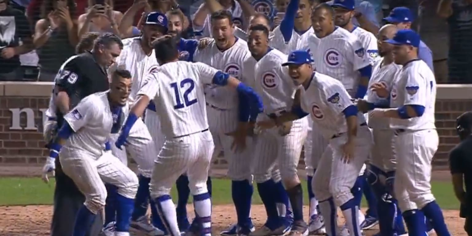 Schwarber's walk-off HR lifts Cubs in 10th
