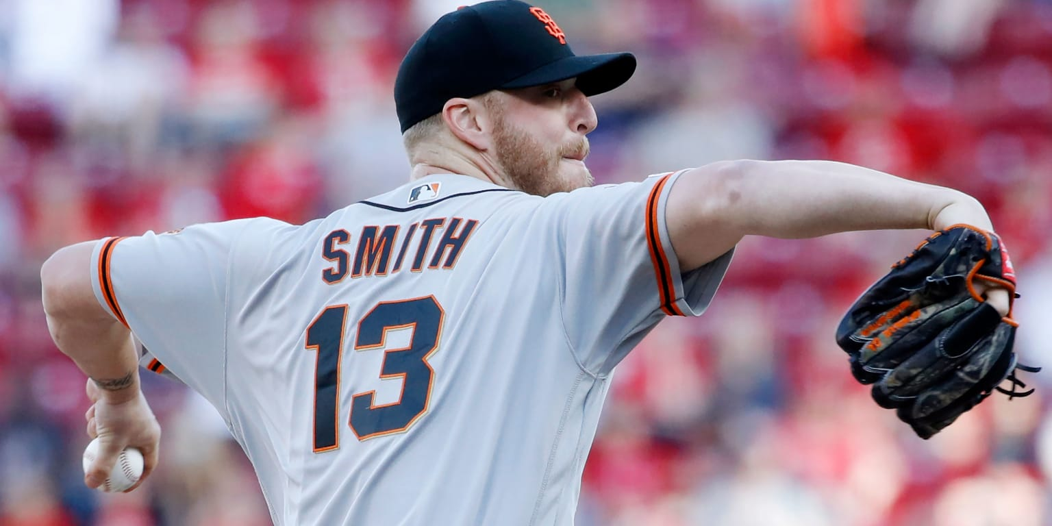 Braves sign All-Star LHP Smith to 3-year pact