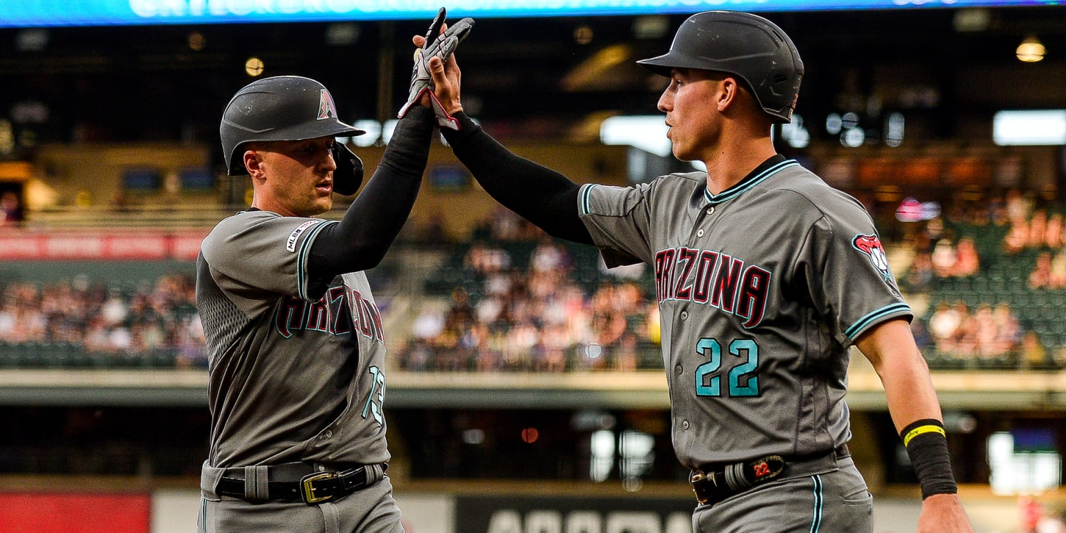 Ahmed keeps raking as D-backs hit 4 HRs in win