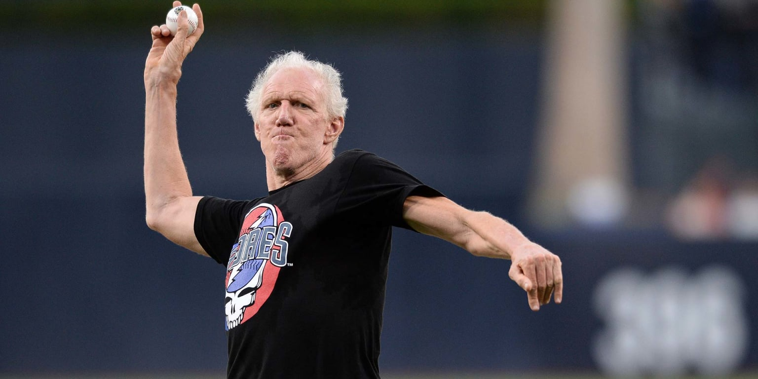 Bill Walton joins Sox broadcast, meets with team
