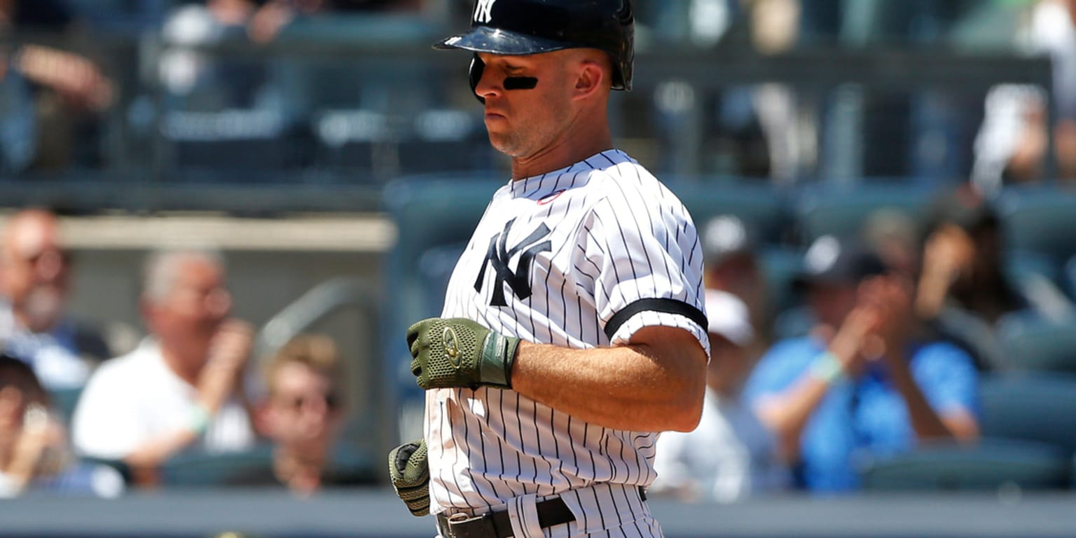 Yanks drop to second after Rays win in 11th