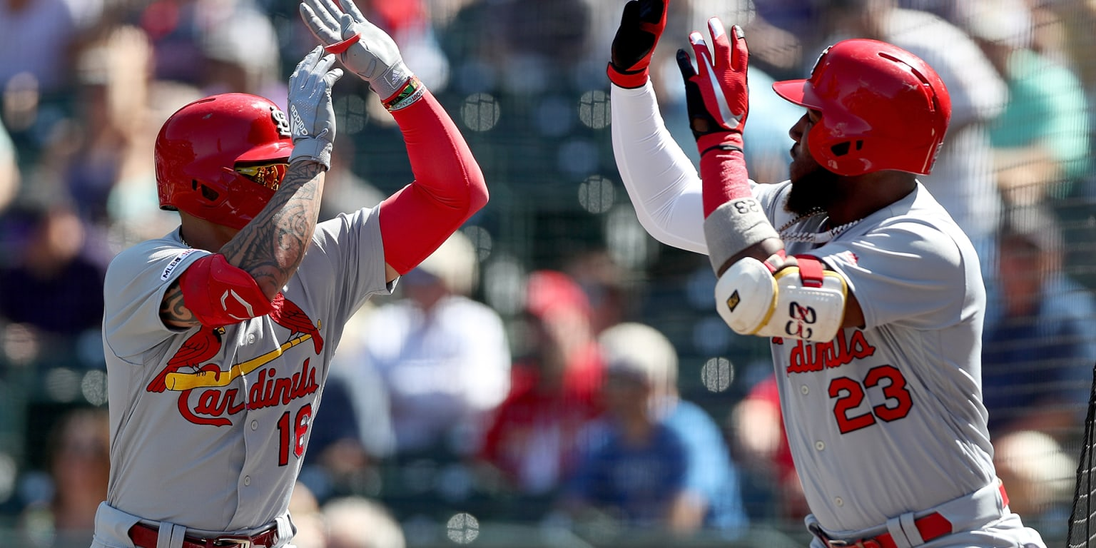 5 HRs in 4 innings help Cards salvage series