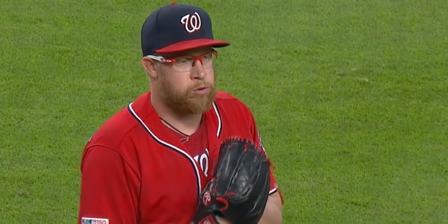A day after 'pen misfire, Doolittle seals win