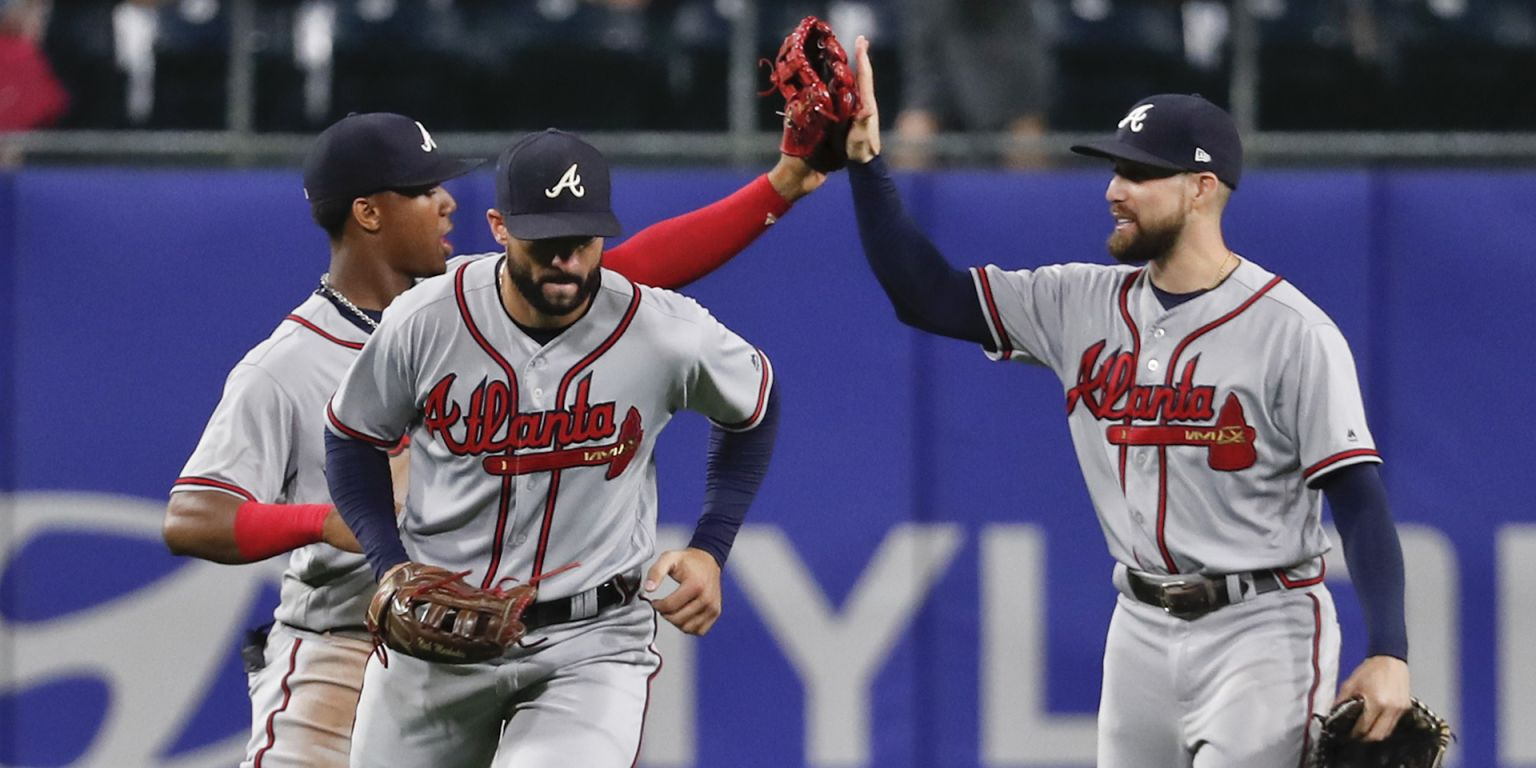 Around the Horn: Braves return formidable OF