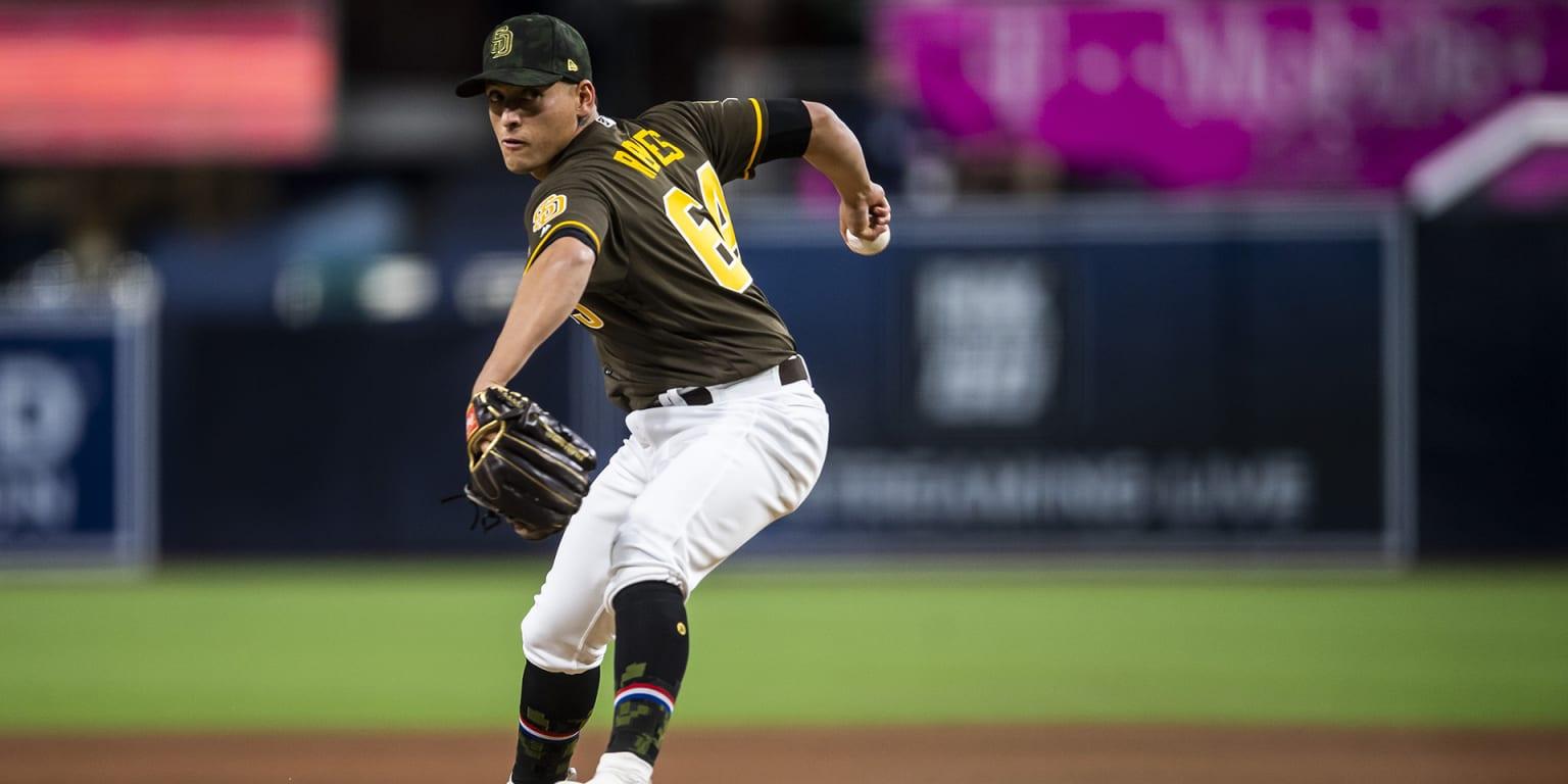 Throwing strikes opens door for Gerardo Reyes
