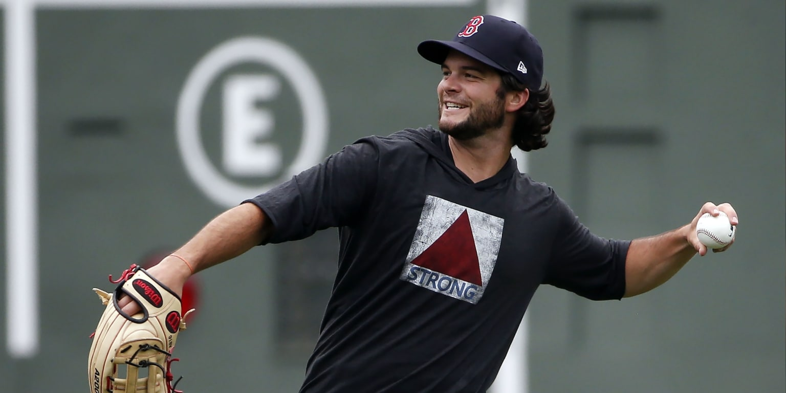 Experts weigh in on any Benintendi trades