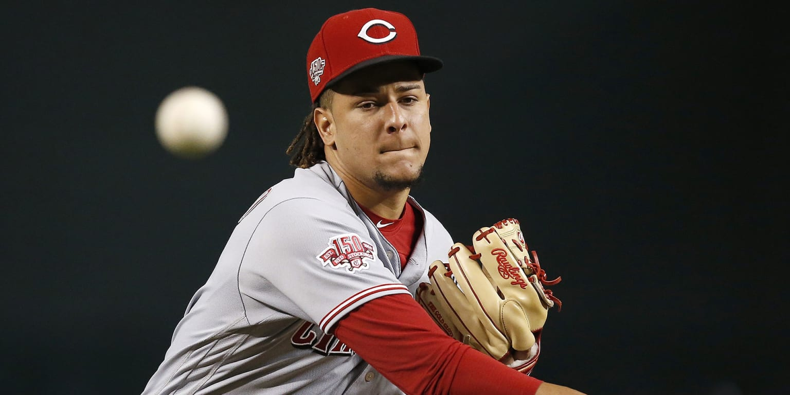 Castillo proving he can be a horse for Reds
