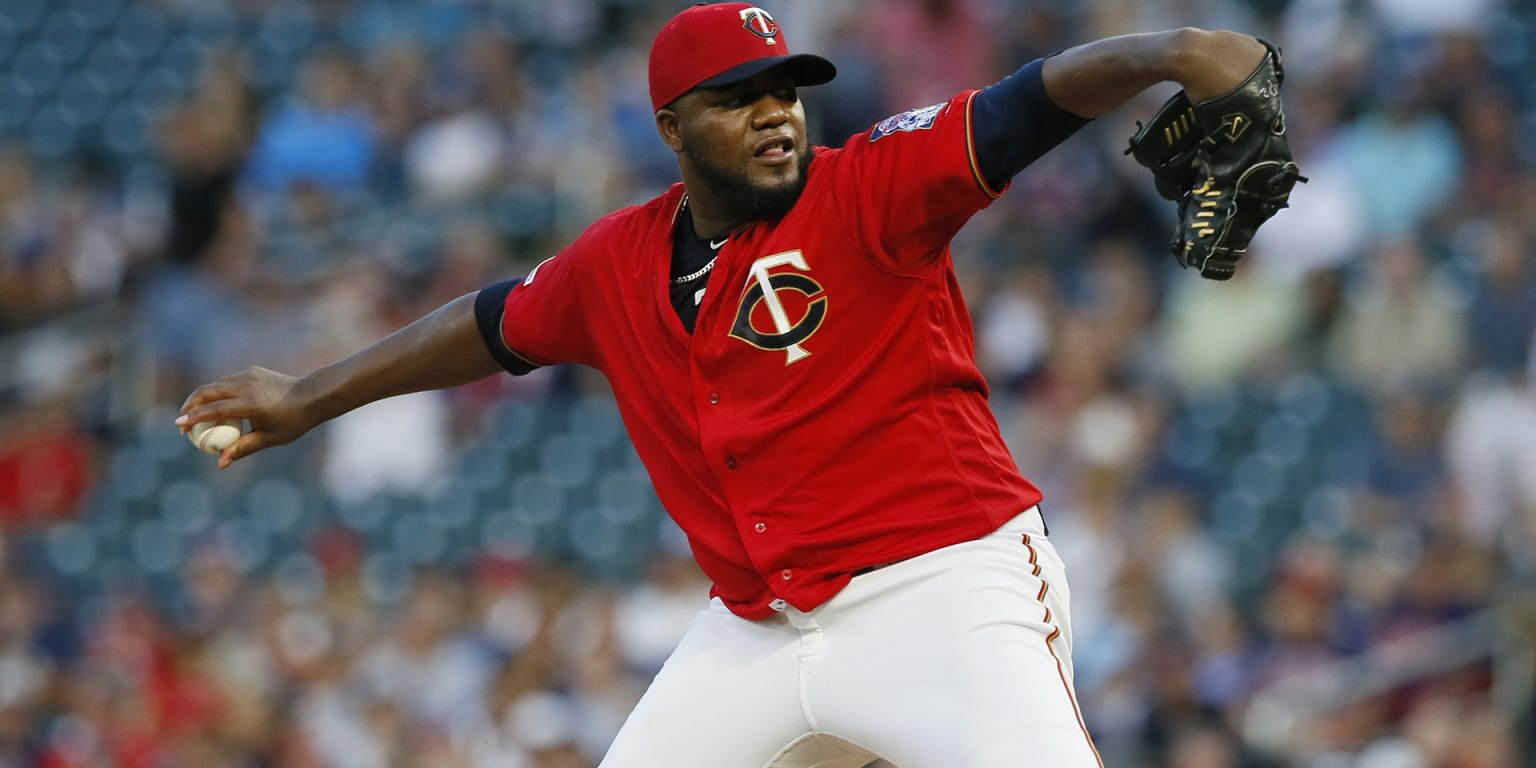 Pineda returning to Twins on 2-yr deal (source)
