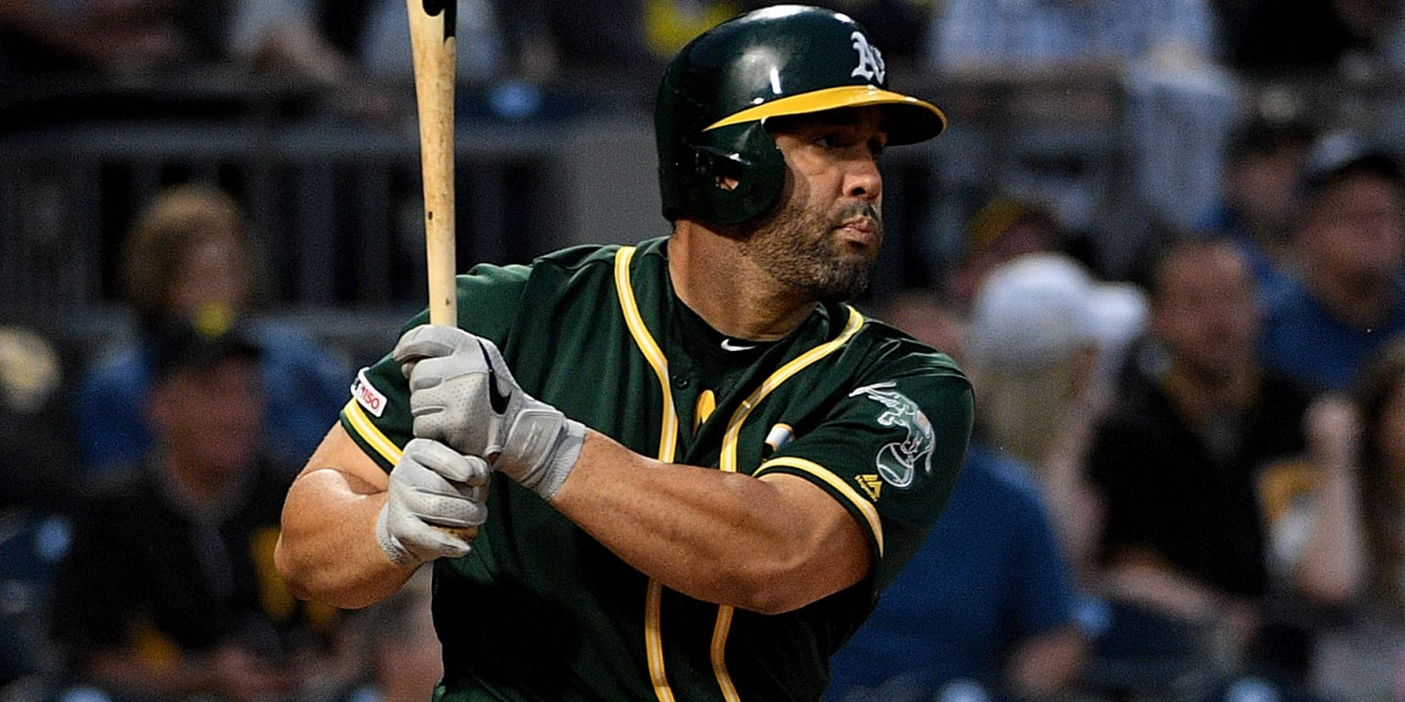 Yanks acquire veteran 1B/DH Morales from A's