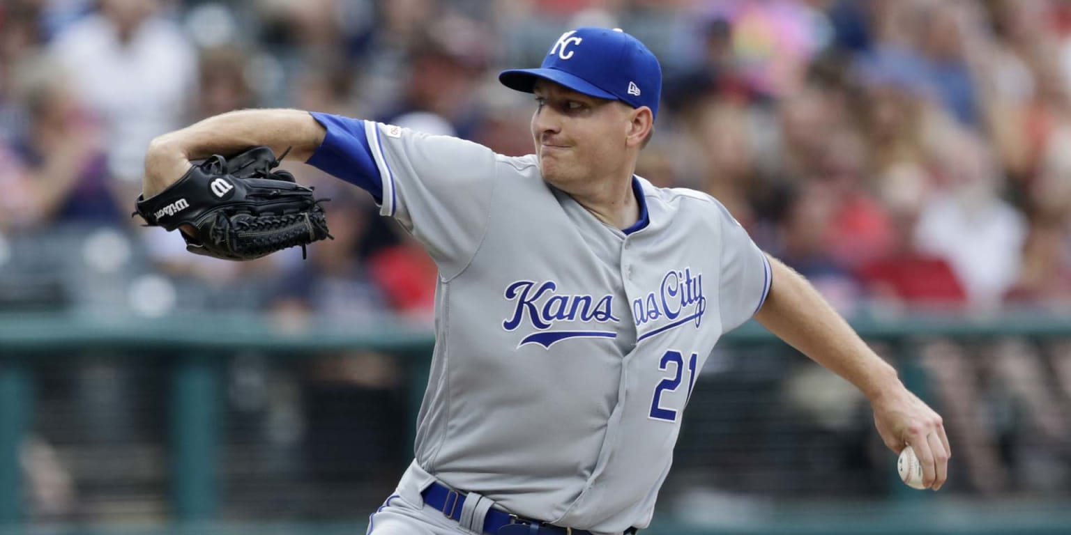 Montgomery shows some rust in short KC debut