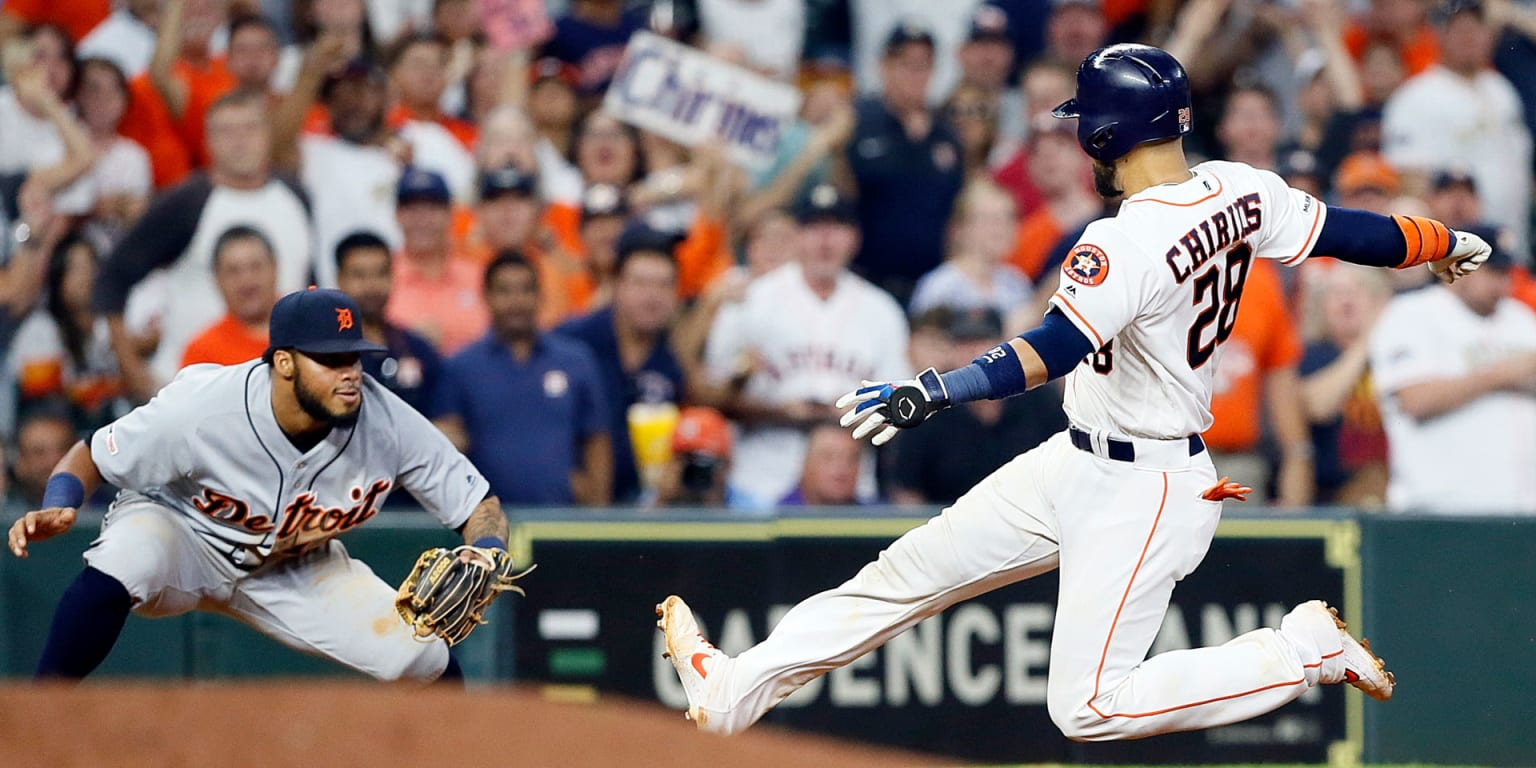 Tigers beat Verlander after wild game-ending out