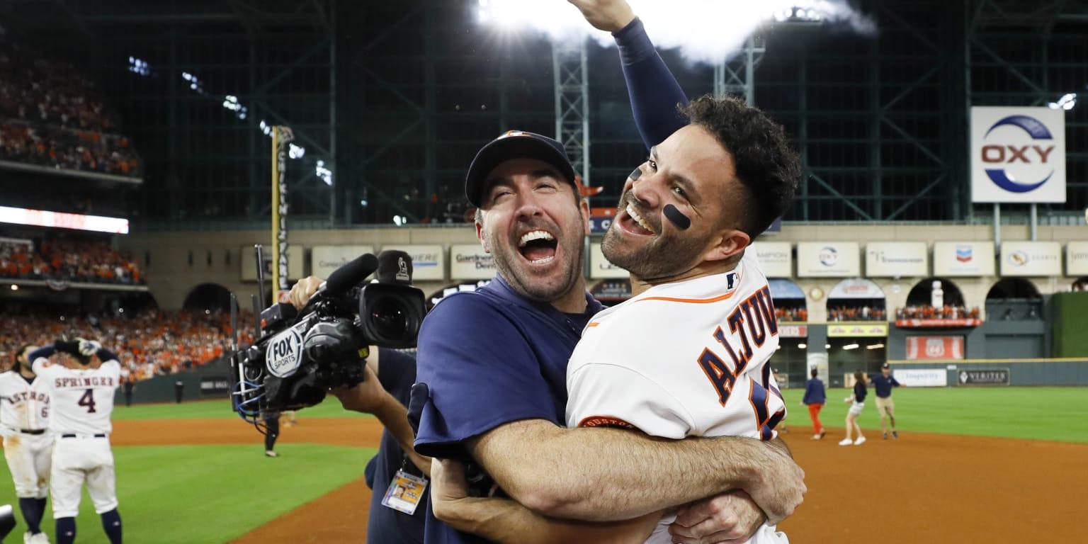 Altuve's walk-off winner sends Astros to Series