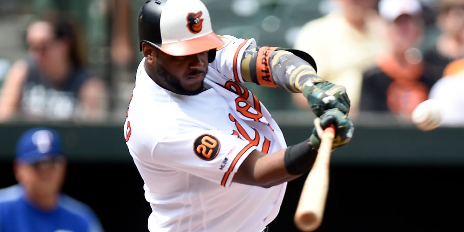Alberto in batting title chase as O's fall