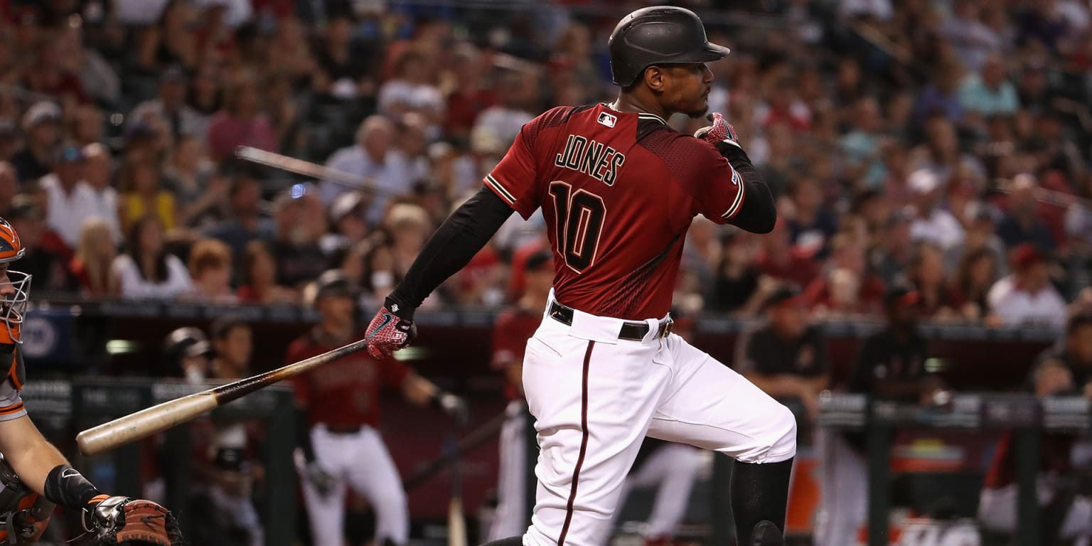 D-backs come out swinging to take finale
