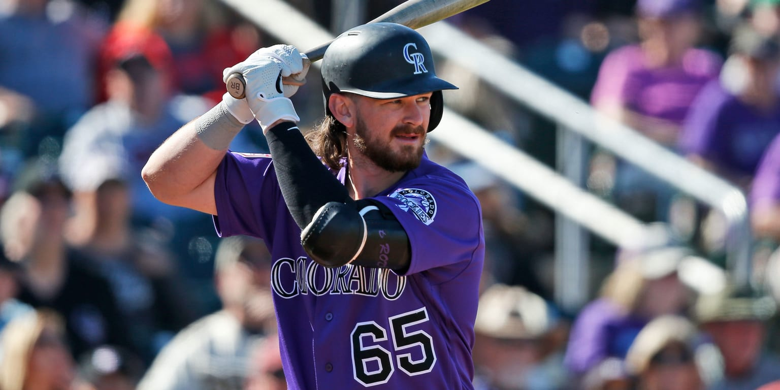 Rockies call up top prospect Rodgers