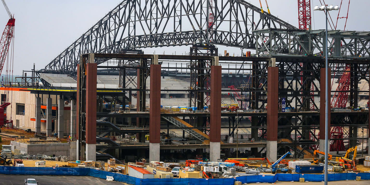 Raise the roof: Globe Life Field taking shape