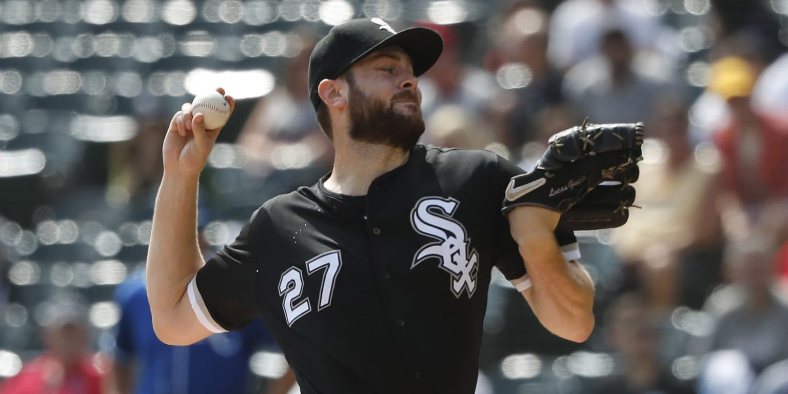Giolito sets White Sox mark with 8 straight K's