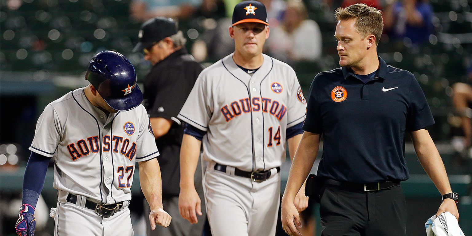 Altuve exits, day to day after HBP on forearm