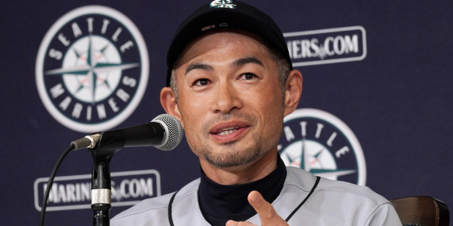 Ichiro begins new role with Mariners