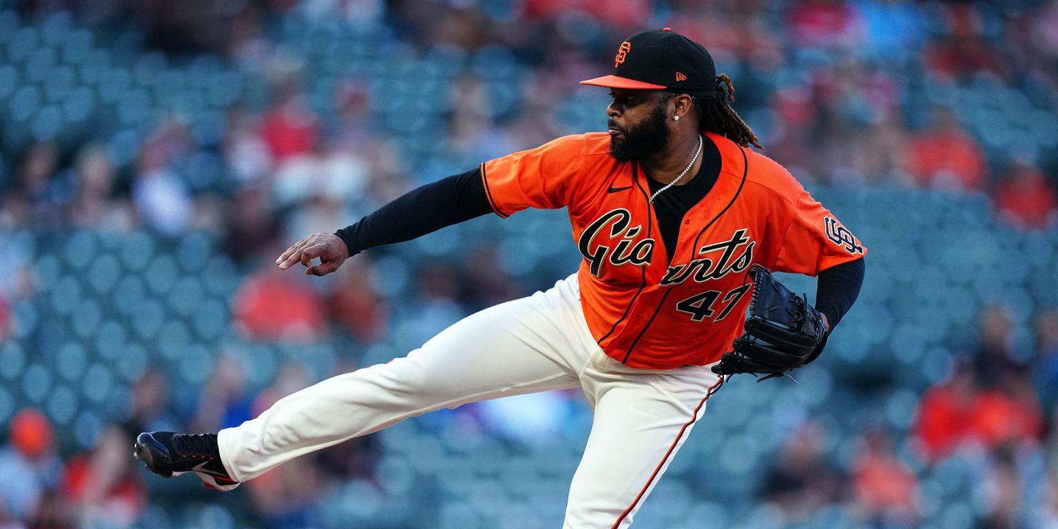 Cueto puts on a show on mound, basepaths - MLB.com