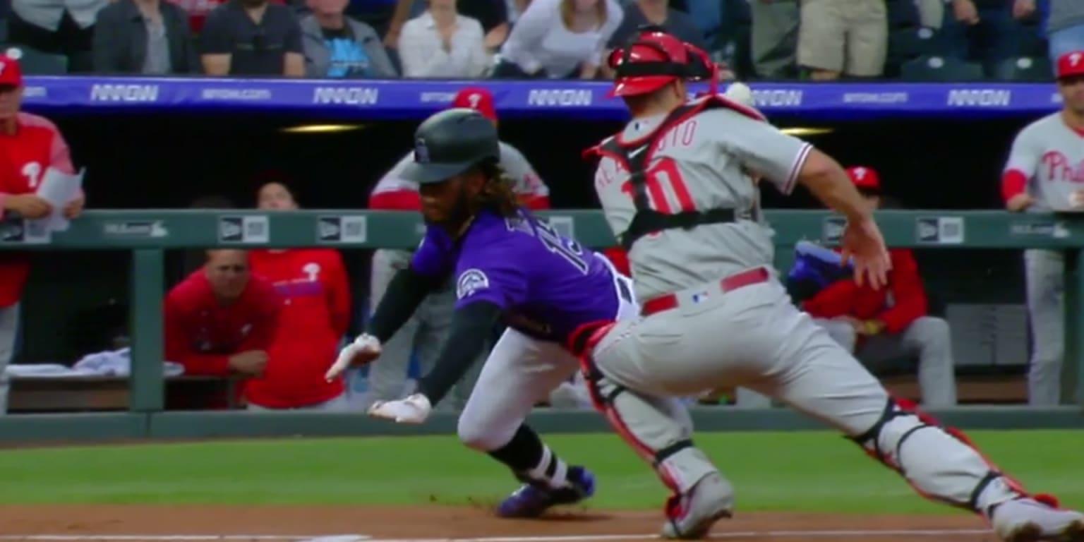 Raimel Tapia hits inside-the-park home run